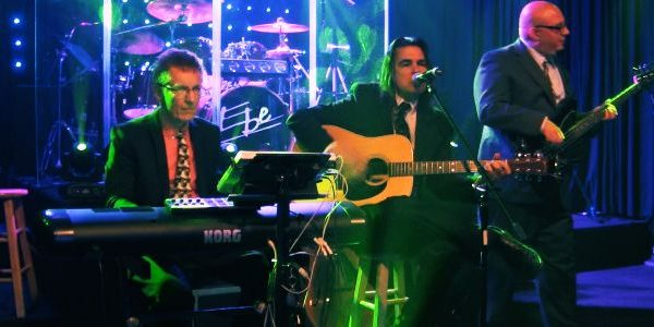 acoustic music for Weddings and Corporate events